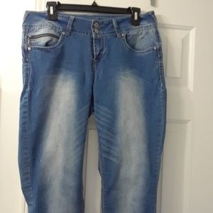 Denim Deluxe Wallflower Jeans